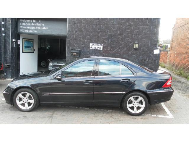 used mercedes benz car 2005 black diesel class c220 cdi avantgarde saloon for sale in stockport. Black Bedroom Furniture Sets. Home Design Ideas