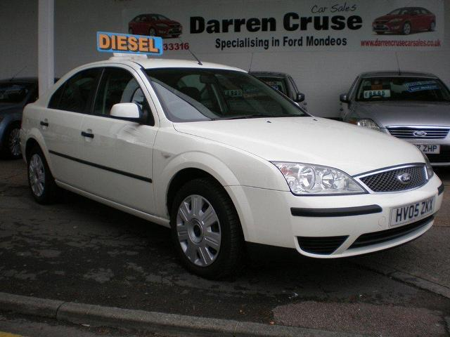 used ford mondeo 2005 diesel 115 lx 5dr hatchback white automatic for sale in gravesend. Black Bedroom Furniture Sets. Home Design Ideas