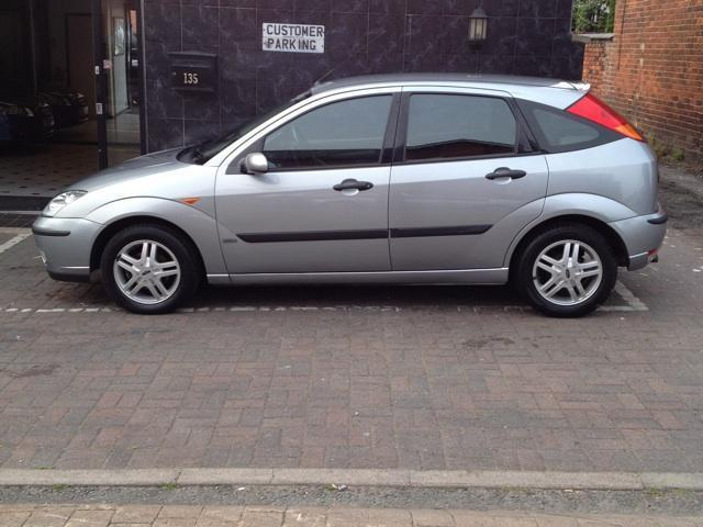 used ford focus 2003 petrol 1 6 zetec 5dr hatchback silver. Black Bedroom Furniture Sets. Home Design Ideas