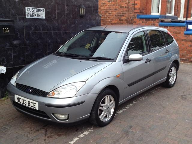 used ford focus 2003 petrol 1 6 zetec 5dr hatchback silver manual for sale in stockport uk. Black Bedroom Furniture Sets. Home Design Ideas