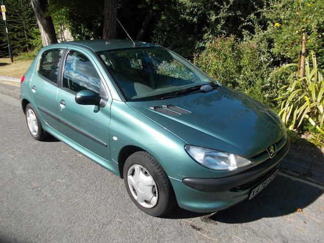 used peugeot 206 2000 green colour petrol 1 4 lx 5 door. Black Bedroom Furniture Sets. Home Design Ideas