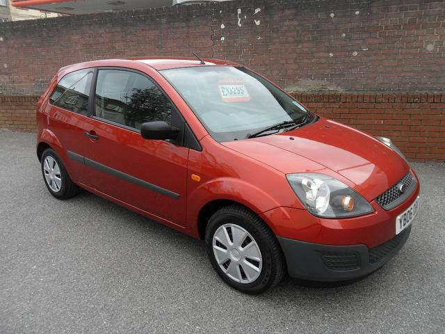 used ford fiesta car 2006 red petrol studio 3 door full hatchback for sale in southampton. Black Bedroom Furniture Sets. Home Design Ideas