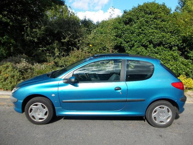 used peugeot 206 2000 petrol 1 4 lx 3dr ac hatchback blue edition for sale in keynsham uk. Black Bedroom Furniture Sets. Home Design Ideas